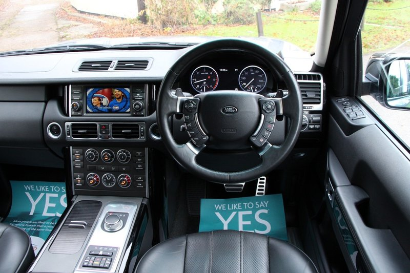 LAND ROVER RANGE ROVER WESTMINSTER 4.4 TDV8 - 20INCH WHEELS - AIR COOLED HEATED SEATS 2012