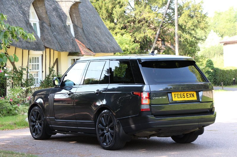 LAND ROVER RANGE ROVER 2016MY VOGUE SE 3.0 TDV6 - PAN ROOF - 21INCH WHEELS - ELECTRIC STEPS - EURO 6 ULEZ 2015