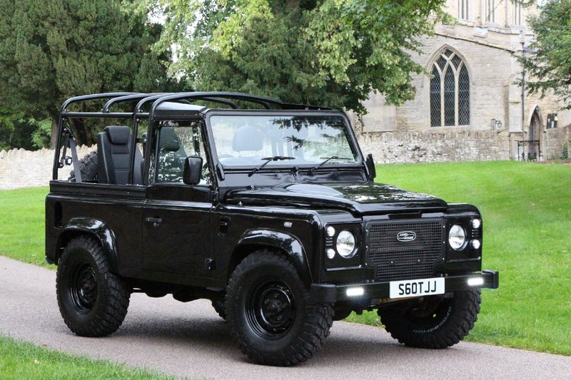 LAND ROVER DEFENDER 90 SOFT TOP 4 SEATER - 2.2 TD 6 SPEED - 4 SEAT BELT 2012