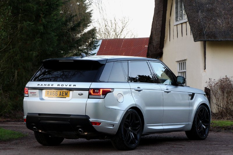 LAND ROVER RANGE ROVER SPORT 3.0 SDV6 AUTOBIOGRAPHY DYNAMIC - 22 INCH WHEELS - HEAD UP - PAN ROOF - EURO 6 2017